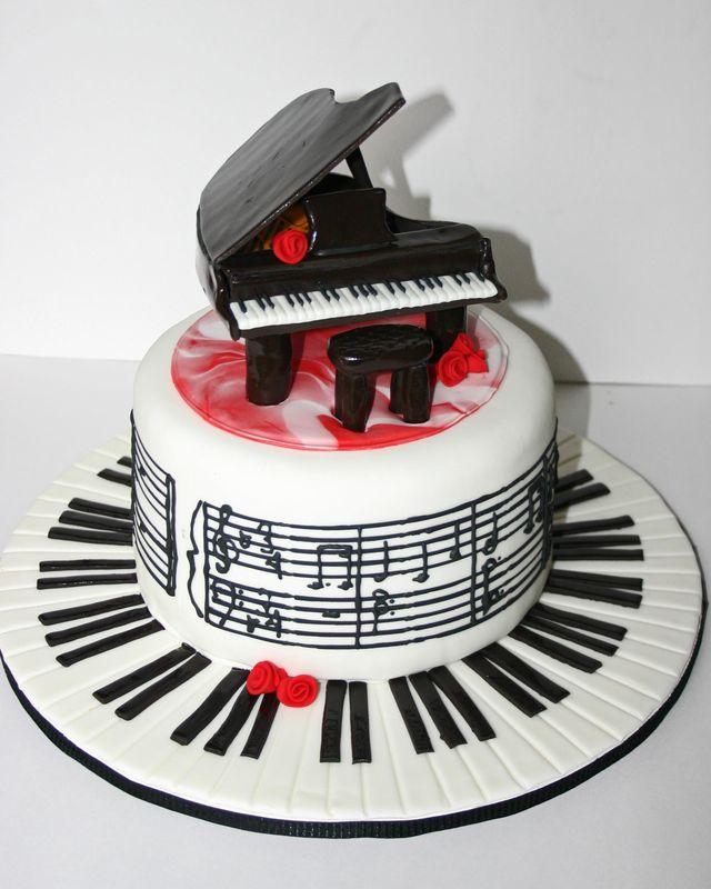 Piano cake 8x10